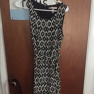 Patterned tie waist dress